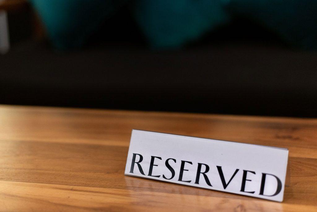 make a reservation - reserved - restaurant reservation