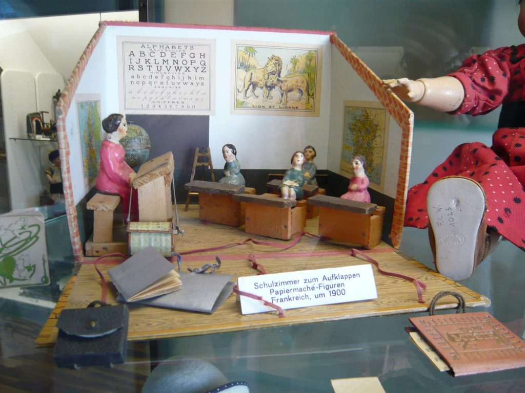 1900 classroom in france toy set - toy museum in zurich