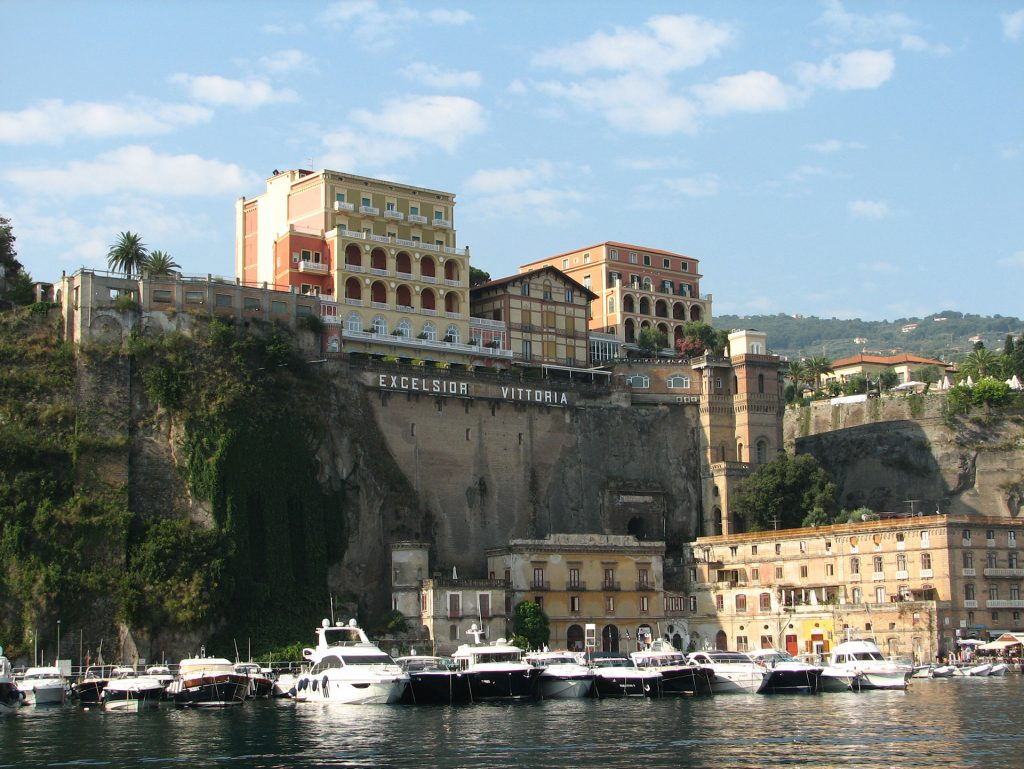 grand hotel excelsior vittoria - sorrento - italy - luxury family holidays
