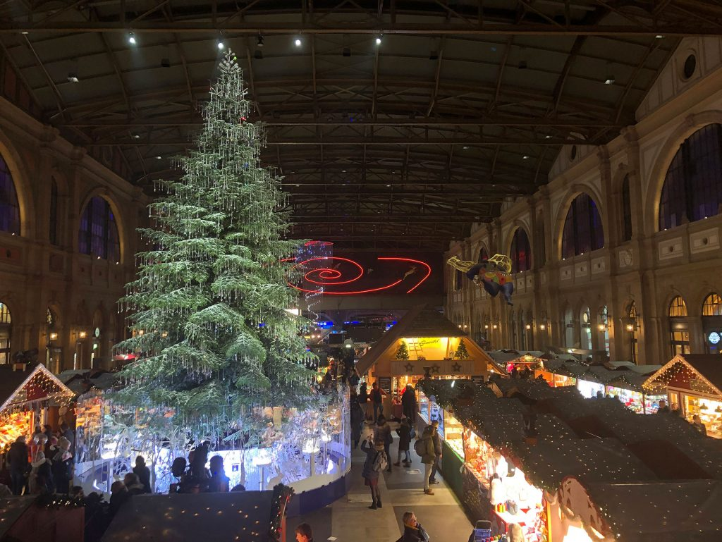christmas market - zurich - christmas market in zurich - zurich train station - holidays in switzerland